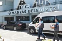 Manyas'ta 700 Aileye Yardım Kolisi Verildi