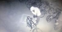 Sokağa Çıkma Kısıtlamasında Akü Hırsızlığı Kamerada