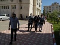 'Berberiz, Tıraş Etmeye Geldik' Deyip 30 Bin Lira Çalmışlardı, Tutuklandılar