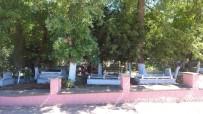 Sındırgı'da Meydanlar Yaşlılara Kaldı
