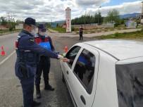 Kastamonu'da Jandarmadan Sürücülere Şeker İkramı