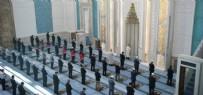 HASTALIK BELİRTİSİ - Camiler cemaate kavuşuyor! Diyanetten cuma namazı için uyarı afişi...