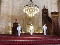 Mardin'de 800 Yıllık Ulu Cami Dezenfekte Edilip İbadete Hazır Hale Getirildi
