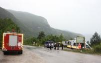 Aynı Yerde Peş Peşe İki Trafik Kazası Açıklaması 5 Yaralı