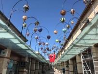 Balon Figürlü Lambalar Dağıstanlı Sokağa Renk Kattı