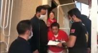 Tunceli'de Polislerden Örnek Davranış