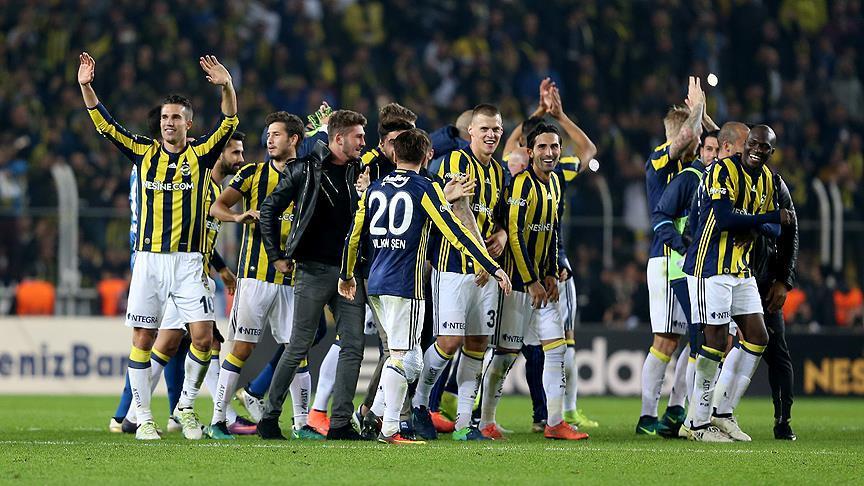Fenerbahçe'ye dev darbe! UEFA'dan...