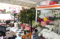 Çiçekçilerin Anneler Günü Mesaisi