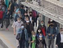 TRAFİK YOĞUNLUĞU - Normalleşmenin ilk gününde metrobüslerdeki yoğunluk vatandaşı isyan ettirdi