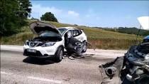 Samsun'da Otomobil Kamyonetle Çarpıştı Açıklaması 2 Yaralı