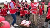 Türk Kızılay Ağrı'da Köy Çocuklarını Hediyelerle Sevindirdi