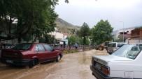 Kayseri'de Sağanak Yağış Sele Neden Oldu
