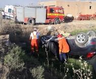 Mardin'de Otomobil Şarampole Yuvarlandı Açıklaması 2 Yaralı
