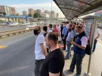 ZINCIRLIKUYU - Metrobüs duraklarında sosyal mesafe unutuldu