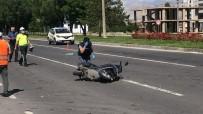 Niğde'de Otomobil İle Motosiklet Çarpıştı Açıklaması 1 Ağır Yaralı