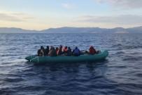 Yunanistan Düzensiz Göçmenleri Can Salı İle Ölüme Terk Etti