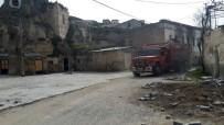 Kapadokya'da Tek Peribacası Bulunan Köyde Tepki Çeken Manzara