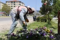 Sivrihisar'da Park Yenileme Ve Çiçeklendirme Çalışmaları