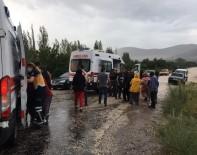 Tarım İşçilerini Taşıyan Minibüs Kamyonla Çarpıştı Açıklaması 1 Ölü, 7 Yaralı