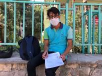 LGS'ye Giren Kardeşini Beklerken Kaldırımda YKS'ye Hazırlandı