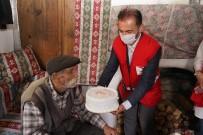 29 Yıldır Şehit Oğlunu Mezarını Bırakmayan Ve Köyde Tek Kalan Babaya 'Babalar Günü' Sürprizi