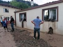 Bursa'da Sağanak Yağış Sele Neden Oldu