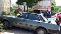 Tuzla'da Freni Boşalan Kamyon Otomobile Çarptı, Ardından Site Bahçesine Daldı