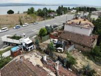 Hortum'un Vurduğu Çatalca'da Yaralar Sarılıyor
