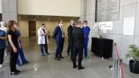 Korona Virüsle Mücadele Eden Sağlık Çalışanlarına Destek İçin 'Karantina-Yeni Medeniyet' Resim Sergisi Açıldı