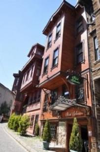 SULTANAHMET - Müdürü olduğu tarihi oteli 2 milyon dolara sattı. Yakayı böyle ele verdi