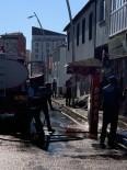 Eleşkirt'te Yollar Ve Kaldırımlar Yıkanarak Dezenfekte Edildi