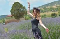 Isparta'nın Açık Hava Fotoğraf Stüdyosu Lavanta Bahçelerinde  'Mor Turizm' Başladı