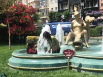 Sıcaktan Bunalan Çocukların Süs Havuzunda Tehlikeli Oyunu