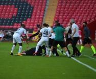 ESKIŞEHIRSPOR - Gerilim dolu maçta yumruklar havada uçtu