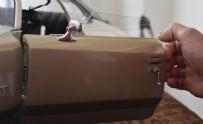 KLASİK OTOMOBİL - Sivas'ta emekli mobilya ustası Bahattin Okurgan, tutkunu olduğu o şeyin minyatürünü 36 senede yaptı...