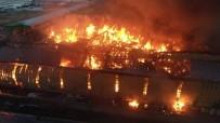 Adana'da nişasta fabrikası alev alev yanıyor