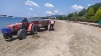 Yoğun Yağışta Çöplüğe Dönen Plajı Temizlendi