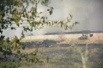 Suriye Sınırındaki Yangına TOMA Ve İtfaiye Müdahale Etti
