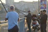 GALATA KÖPRÜSÜ - Yasaksız ilk hafta sonu! İstanbullular soluğu orada aldı!