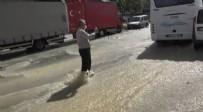İSTİKLAL - İSKİ borusu patladı, yollar göle döndü
