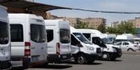YOLCU TAŞIMACILIĞI - 10 minibüs sürücüsünde koronavirüs çıktı! Yolcular aranıyor...
