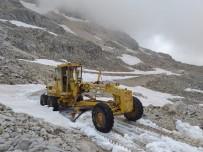 Antalya'nın Yayla Yollarında Kar Temizliği