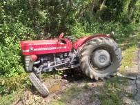 Kastamonu'da Traktör İle Otomobil Çarpıştı Açıklaması 3 Yaralı