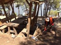 Sorumsuz Piknikçilerin Kirlettiği Kanyonu Belediye Temizledi
