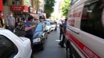 Tuzla'da Bir Şahıs Marmaray Durağı'nda Raylara Atladı
