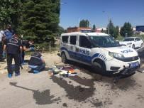 Görevden Dönen Polis Memurları Kaza Yaptı Açıklaması 1'İ Ağır 2 Yaralı