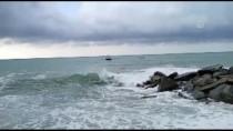 Kastamonu'da Denizde Çeken Akıntıya Kapılan İki Arkadaş Kurtarıldı