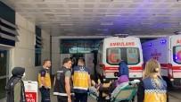 Düzce'de Kontrolden Çıkan Araç Kaldırımdaki Anne Ve Çocuklarına Çarptı Açıklaması 2'Si Ağır 5 Yaralı