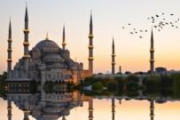 BÜYÜK ÇAMLıCA - İstanbul'daki camilerde 15 Temmuz şehitleri için Kur'an okundu