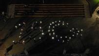 Pendik'te Gençlerin 15 Temmuz Işıklı Görseli Havadan Görüntülendi